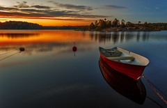 _MG_9255 (nalle_folkblom) Tags: waterscape landscape reflection sunset sunrise island sweden summer red