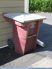 Highland Sanitation Trash Cart (TheTransitCamera) Tags: highland service sanitation waste industry hauler collection trash recycle garbage rubbish basura amerikart versa