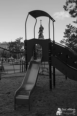 Colon en el parque (jose alb) Tags: parque nikon monumento valladolid infantil estatua colon tobogn columpios josealberto d7000