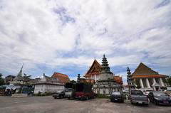 Wat Kalayanamit Bangkok tour_E10962075-013