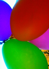 Colorful unsharp vivid - Air balloons. (eagle1effi) Tags: pink blue red green balloon experiment aviary bunt luftballon knallig flickrmanager windowsphone7