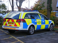 2127 - GMP - Vauxhall Vectra - MX55 XMP (Call the Cops 999) Tags: uk november england 3 cars car manchester estate united saturday police kingdom led vehicles 101 workshop vehicle service greater emergency 112 chevron complex services reconstruction 2012 battenburg vauxhall collision workshops unit 999 forensic vectra lightbar xmp openshaw mx55 dscf7352 fcru