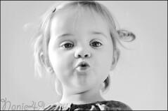 Lola 3. (nanie49) Tags: portrait france childhood kid nikon child retrato nb bn enfant infancia niño kindheit bambino enfance детство infanzia d7000