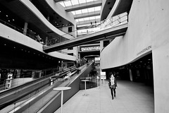 (Michad90) Tags: bw white black girl walking nikon kopenhagen diamant libary d90