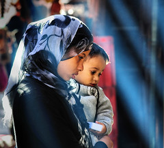 acquarello (Sante sea) Tags: life woman donna child morocco marocco marrakech vita bambino