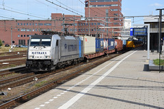 Metrans 186-187-1 at Amersfoort, September 10, 2016 (cklx) Tags: amersfoort station br186 traxx bombardier metrans containertrain containertrein