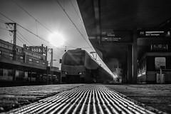 Nicht einsteigen (Zesk MF) Tags: bw black white zesk reise journey zug train trainstation bahnhof gegenlicht sonne bahnsteig saarbrcken