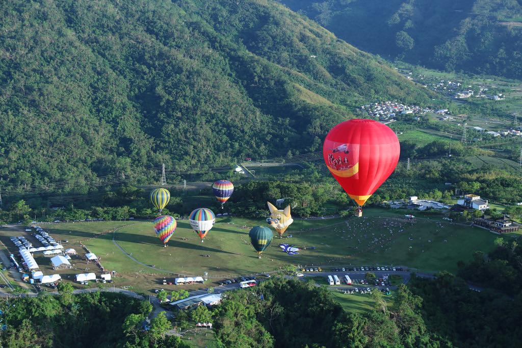 Lễ hội khinh khí cầu quốc tế Mộc Châu