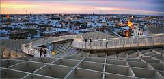 Sur le Metropol Parasol, Sevilla, Andalucia, Espana (claude lina) Tags: claudelina espana spain espagne andalucia andalousie sevilla sville architecture town ville city metropolparasol