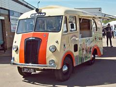 318 Morris Commercial PV Ice Cream Van (1953) Beachdean (robertknight16) Tags: morris morriscommercial british 1950s pv ambulance icecream van beachdean donington xyj151