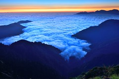 You can touch clouds..? Mt. Hehuan  (Vincent_Ting) Tags: sunset sky mountain night clouds star glow taiwan trails flare formosa   crepuscularrays startrails                 seaofclous