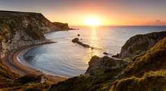 Man-O-War Bay Sunrise (paulwynn-mackenzie.co.uk) Tags: sun seascape beach sunrise bay rocks pretty cliffs dorset manowar durdledoor