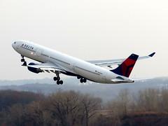 N803NW (redlegsfan21) Tags: lines paul airport air msp dal delta international airbus dl kmsp a330300 n803nw minneapolissaint