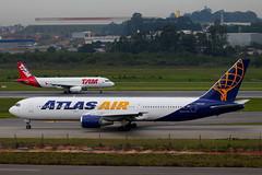 Atlas Air | Boeing 767-300ER @ GRU (Aidan Formigoni) Tags: brazil brasil plane airplane airport aviation air aeroporto airbus atlas boeing avião tam spotting 767 aviação a320 guarulhos gru atlasair 767300 sbgr