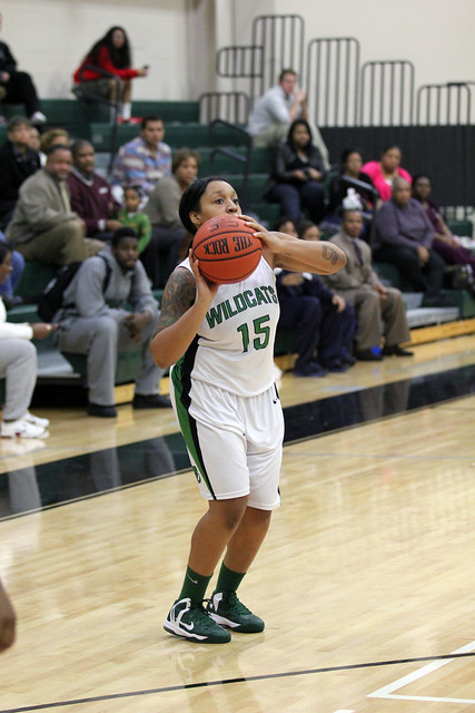 Senior Danielle Thomas is ready to launch the go-ahead three-pointer with 1:56 to play in the victory over Chestnut Hill on Tuesday