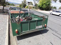 Lawnkeeper trailer (RS 1990) Tags: ford january falcon adelaide trailer southaustralia xd 2011 modbury teatreegully lawnkeeper modburyheights modburynorth carruthersdrive