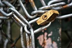 Under Lock & Key  344-366 #3 (Samyra Serin) Tags: france 50mm rust europe pentax lock gimp potd chain drago 2012 year3 valdemarne aphotoaday alfortville day344 project365 fattal qtpfsgui samyras pentaxasmc50mmf17 k200d mantiuk06 shuttercal reinhard05 day1074 luminancehdr mantiuk08 samyraserin samyra008 noscreenchallenge