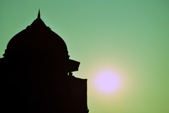 Silhouette, Red Fort, Delhi, India (MJ Reilly) Tags: sunset sky sun india black tower silhouette nikon fort delhi indian palace dome contrejour redfort olddelhi mughal lalqila d90