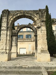Lubron (thiery49) Tags: lubron monument romain arc