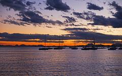 Atardecer entre veleros (Fotgrafo-robby25) Tags: atardecerenelmarmenor fujifilmxt1 lopagnmurcia marmenor nubes salinasyarenalesdesanpedrodelpinatar