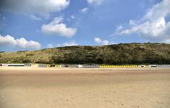 postseason (joachim.d.) Tags: zoutelande zeeland europa europe netherlands niederlande kste licht latesummer beachhuts strandhusschen leer sand duin dnen