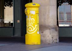 _DSF8392 (ad_n61) Tags: fujifilm xt1 fujinon super ebc xf 18135mm 13556 ois wr zaragoza gente verano septiembre buzon amarillo