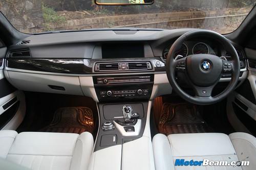 2012-BMW-M5-21