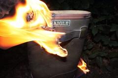 IMG_9931 (sim_hom) Tags: burning wellies