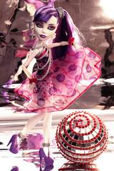 Disco Ball (Mariko&Susie) Tags: monster sisters canon ball t dead disco eos rebel high kiss doll dolls dancing gorgeous ghost dot 600 susie mariko spectra spectre t3i x5 600d marikosusie vondergeist