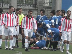 SANYO DIGITAL CAMERA (hjkolku) Tags: man men sports sport football play soccer player spor turkish turk bulge