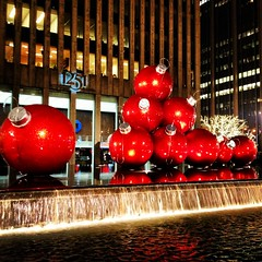 Christmas Ball Sculpture - New York City (Sylvia Syracuse (Gothamiste) iPhone and Canon DSLR) Tags: christmas nyc newyorkcity red newyork manhattan christmasballs gotham newyorknewyork 2012 thebigapple newyorkscenes christmas2012 nycchristmas2012