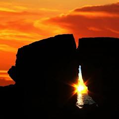Il mondo non è finito (meghimeg) Tags: sea sky sun clouds sunrise rocks nuvole mare alba cielo sole 2012 scogli santamargherita