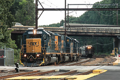 CSXT EMD SD40-2 #8833 @ Woodbourne, PA (Darryl Rule's Photography) Tags: aem7 alp44 buckscounty c770 csx csxt diesel diesels emd eastbound freight freighttrain local mixedfreight outbound pa pennsylvania q418 reading readingrailroad sd402 sd60m septa train trains westbound woodbourne woodbournerd