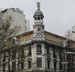 "Montevideo: la Plaza Entrevero <a style=""margin-left:10px; font-size:0.8em;"" href=""http://www.flickr.com/photos/127723101@N04/29125681553/"" target=""_blank"">@flickr</a>"