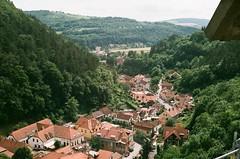 domospad (greenishmagpie) Tags: praktica mtl5b film analog czech republic ceska republika roofs red karlstejn
