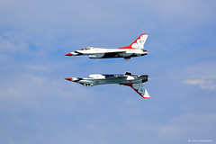 USAF Thunderbirds (dpsager) Tags: airshow2016 chicago chicagoairandwatershow dpsagerphotography lakemichigan lakefront thunderbirds usairforce usaf aircraft airplane f16fightingfalcon
