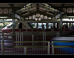 Monorail Monday XVII - Volume 3 (DugJax) Tags: monorail waltdisneyworld magickingdom monorailred ef24105mmf4lisusm expressmonorail monorailblue resortmonorail canonrebelt2i