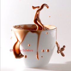 chocolade melk (Marijke-s) Tags: white macro milk drink chocolate drop melk highspeed druppel chocolademelk drup