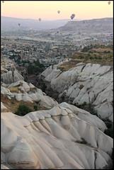 (Roby_wan_kenoby (the only one)) Tags: panorama canon turkey landscape eos balloon cappadocia goreme turchia kapadokya fairychimneys mongolfiere 450d caminidifata