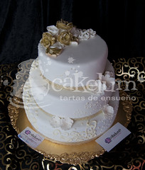 Wedding Anniversary Cake (HarleyK) Tags: gold chocolate anniversary weddingcake course cumpleaos hdr porrio infantiles airbrush oro piatas regalos fondant 50anniversary weddingplanner goldflower sugarflower elegantweddingcake 50anniversarycake goldweddingcake tartasenespaa cakelum karenlum tartasenporrio tartas3d pedazodeazucar