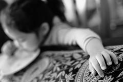 hand (Jack_from_Paris) Tags: bw detail lens 50mm prime nikon noir dof child hand main monochrom et enfant blanc f28 zeissplanar1450mmzf d800e jpr1366d800e