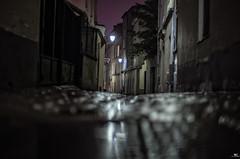Darkness (iPh4n70M) Tags: street city urban house paris france building field rain night de photography 50mm town nikon ledefrance dof bokeh 14 pluie photowalk nikkor bp maison rue nuit depth nocturne ville ballade parisian champ immeuble pdc urbain balade urbaine parisienne profondeur parisien nohdr d700 baladesparisiennes