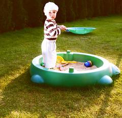 The sandpit (Bku) Tags: portrait children child play olympus e1 zuiko sandpit