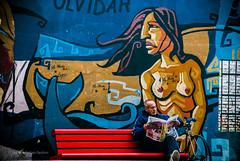 En un Banco de Plaza III (guspaulino1) Tags: laboca buenosaires argentina anciano street calle plaza banco grafitty