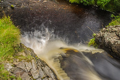 Its A Long Way Down (Brian Travelling) Tags: high height drop longwaydown water burn waterfall rocks reservoir flow northayrshire largs longexposure outdoors outdoor outside pentaxkr pentax pentaxdal
