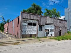 Abandoned Building, Nashua, IA (Robby Virus) Tags: nashua iowa abandoned building closed derelict garage