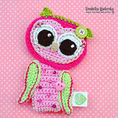 My baby #owl as a brooch on baby carriage flew yesterday to her new home 💜 #vendulkam #crochet #ilovemycostumers #crochet #vendulkampattern