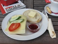 "Frhstck ""Express"" (im Cafe Extrablatt in Mnster) (multipel_bleiben) Tags: essen frhstck gastronomie brtchen kse marmelade"