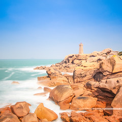 - douce - (Franz-Renan Joly) Tags: bretagne magique breizh bzh brittany france landscape paysage breton bretonne bretonnes view vue plage beach sable sand eau water ocan ocean mer sea vague wave manche englsh channel day jour cloud cloudy fog falaise cliff 22 ctesdarmor aodoanarvor arvor armor seul alone perros guirec perrosguirec ploumanach bleu blue orange rivage littoral extrieur pierre cte calme