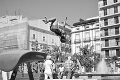 Luxury Parkour (INSAX) Tags: valencia blancoynegro blackandwhite gimnastics backflip